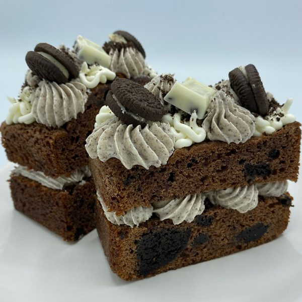cookies and cream cakes